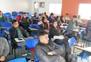 Empresarios a la universidad