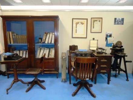 Un oficina de la década de 1930.jpg
